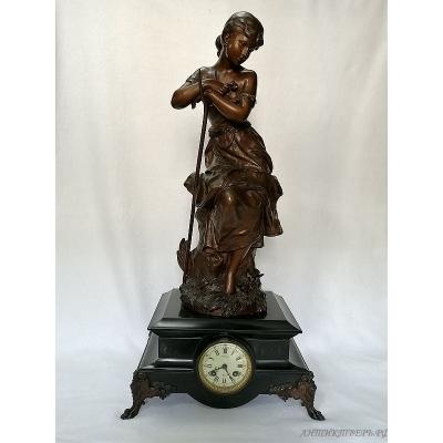 Часы каминные. Девушка. Мрамор,шпиатр. 19 века . Франция